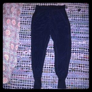 New Chaser navy silk jogger pants size small